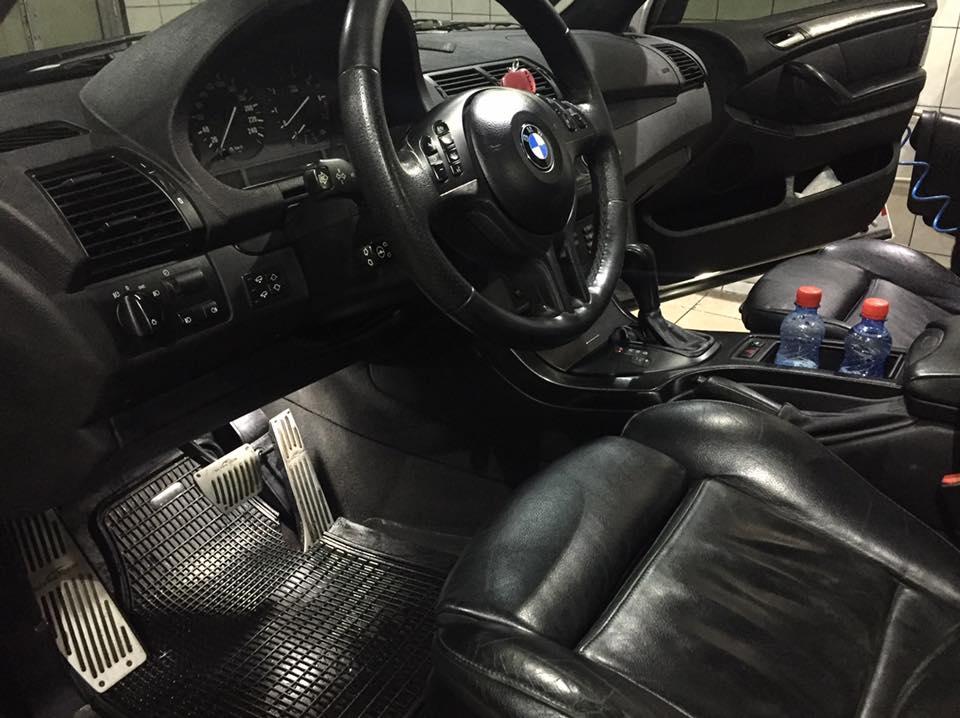 Кожаный салон BMW после химчистки
